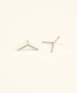 Linea Victory Studs Earrings - Silver