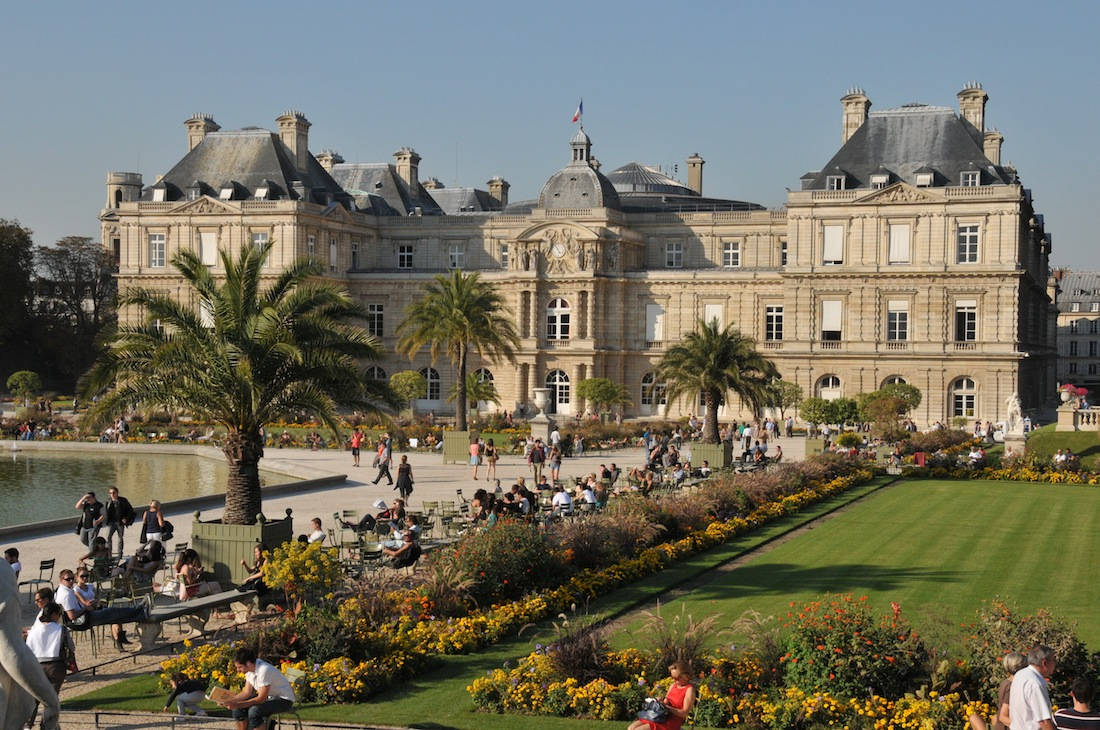 Experience paris like a local canon blanc 39 s tips half for Jardin of luxembourg