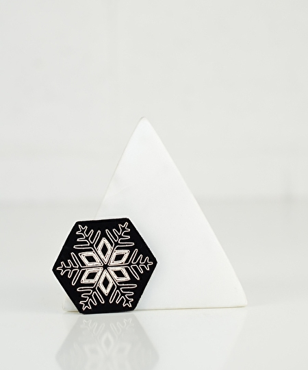Snow Flake Embroidered Pin 02