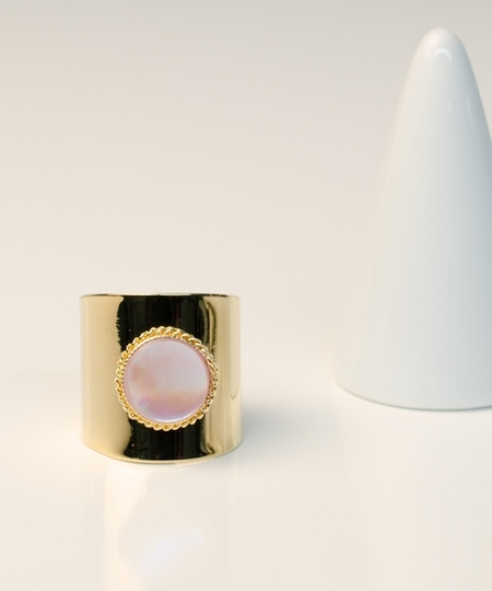 Lady Pink Mother of Pearl Ring